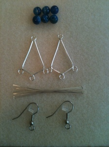 Jewelry. Tutorial. Frame Earrings with Blue Beads 01