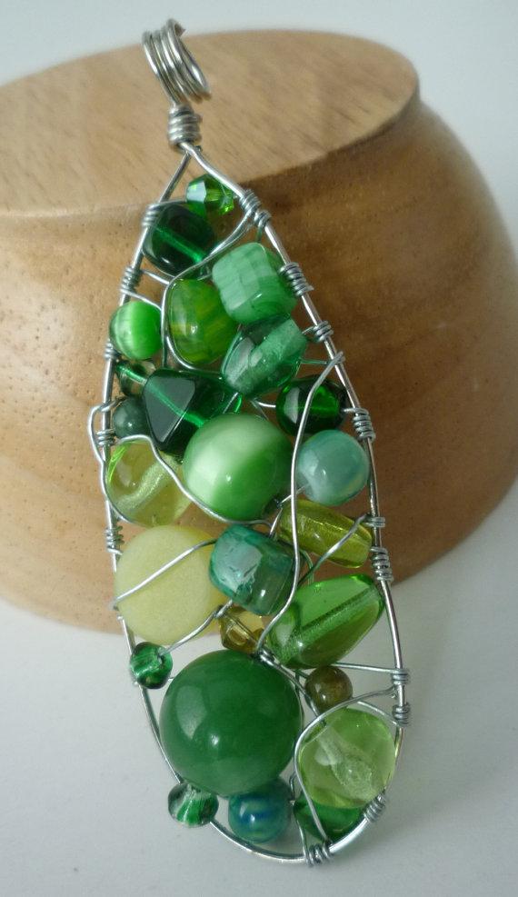 Green Beaded Teardrop frame