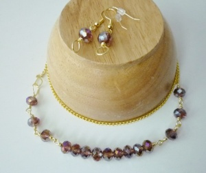 Jewelry. Sets. Purple Crystal on Gold Necklace and Earrings (3)
