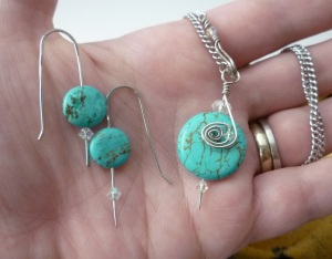 Jewelry. Turquoise Necklace and Earring set size comparison